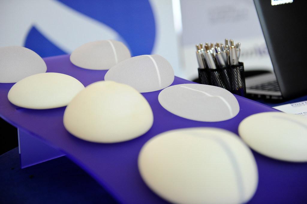 Qual a melhor prótese de silicone? Descubra neste artigo!